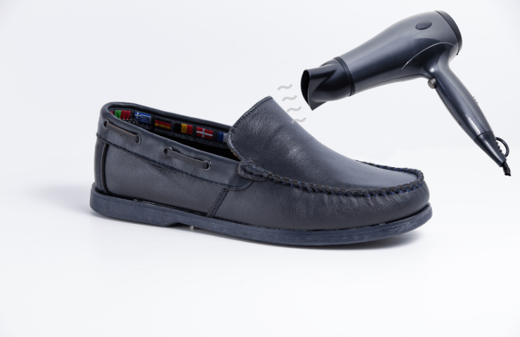 hairdryer to stretch shoes